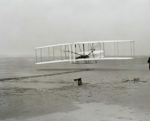 aircraft-74020_1920